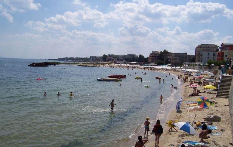 Централен плаж – Равда